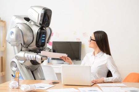 Robot met teamlid